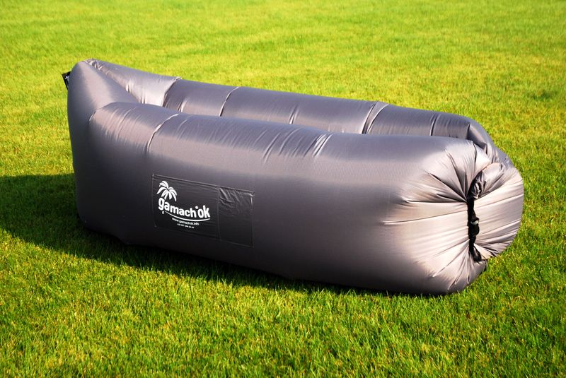 Надувной диван-шезлонг, серый
