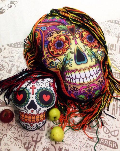 "Подушка на Хеллоуин ""Череп с шевелюрой"" (Санта муэрте), 28х35 см"