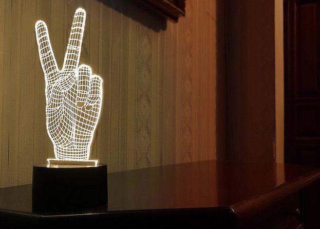"""Сенсорный светильник 3D """"Виктори"""""""