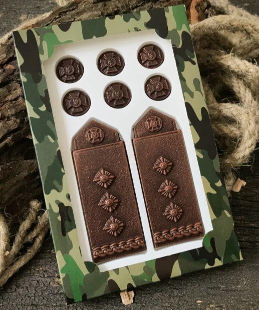 """Шоколадная фигурка  """"Погоны полковника"""""""