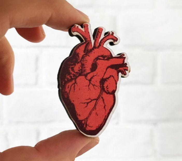 "Брошка из дерева ""Сердце"""