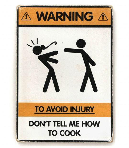 """Постер деревянный """"Осторожно! Кухня под напряжением!"""""""