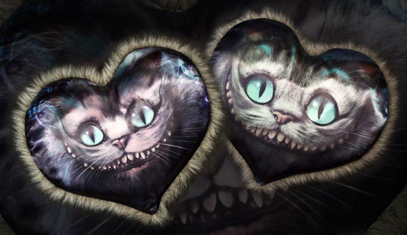 """Подушка - сердце """"Чеширский кот"""" с пушком"""