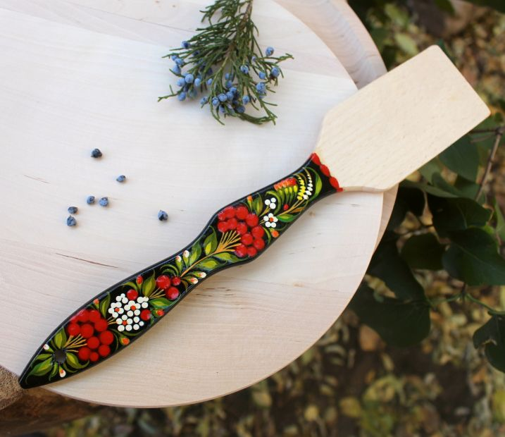 Лопатка кухонная с Петриковской росписью, красная калина