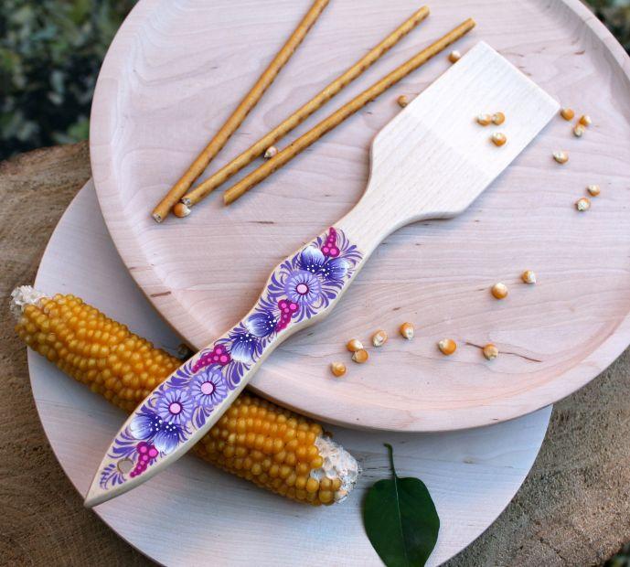 Лопатка кухонная с Петриковской росписью, сирень
